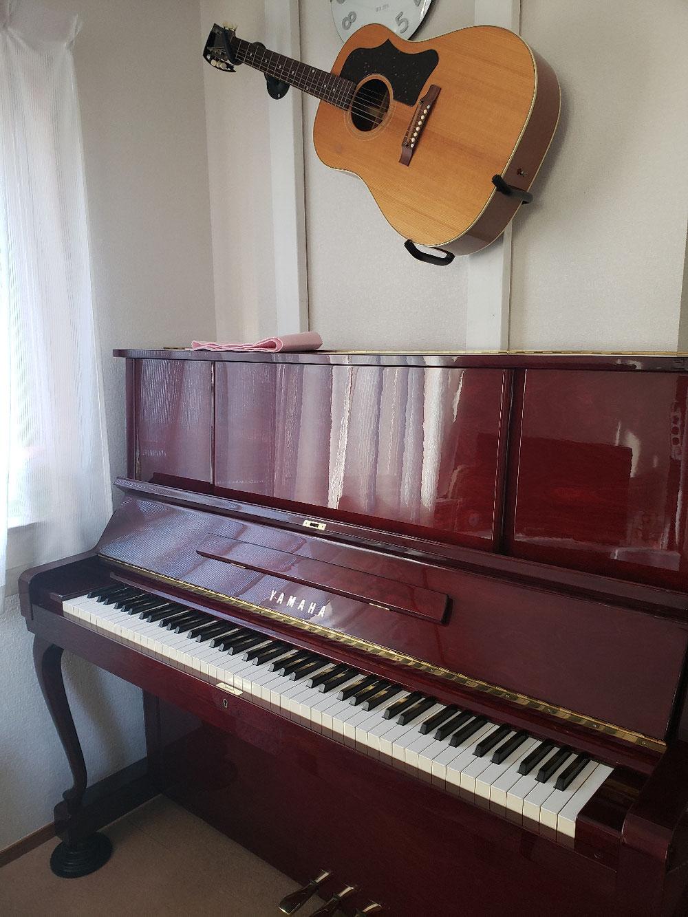 YAMAHAのピアノも。