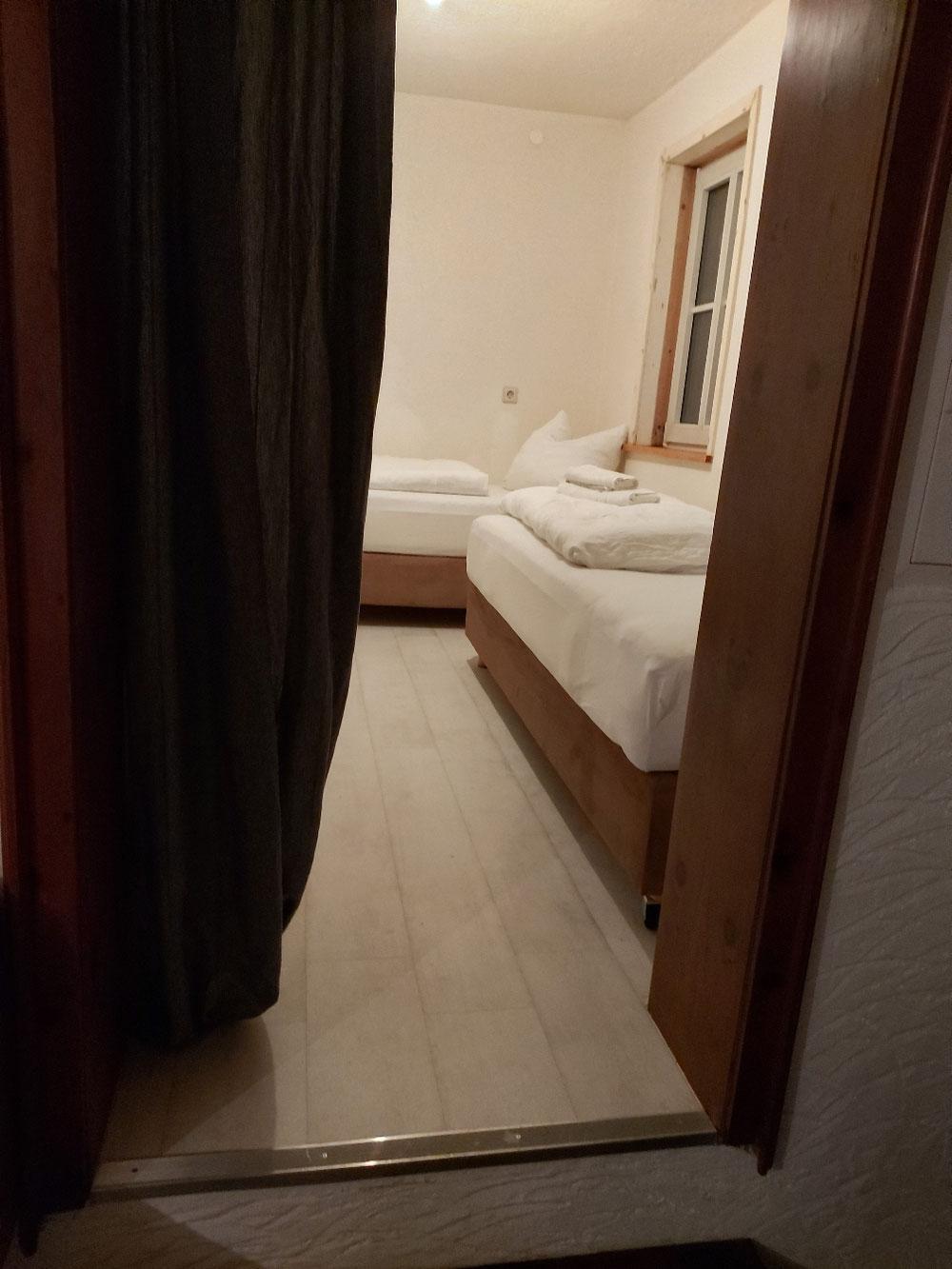 Schlafzimmer 2, mit 2 Einzelbetten