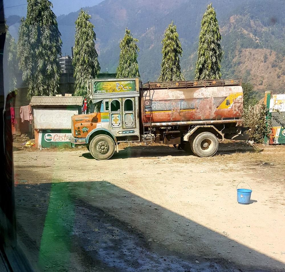 Gefährte solcher Art gibt es in Nepal viele