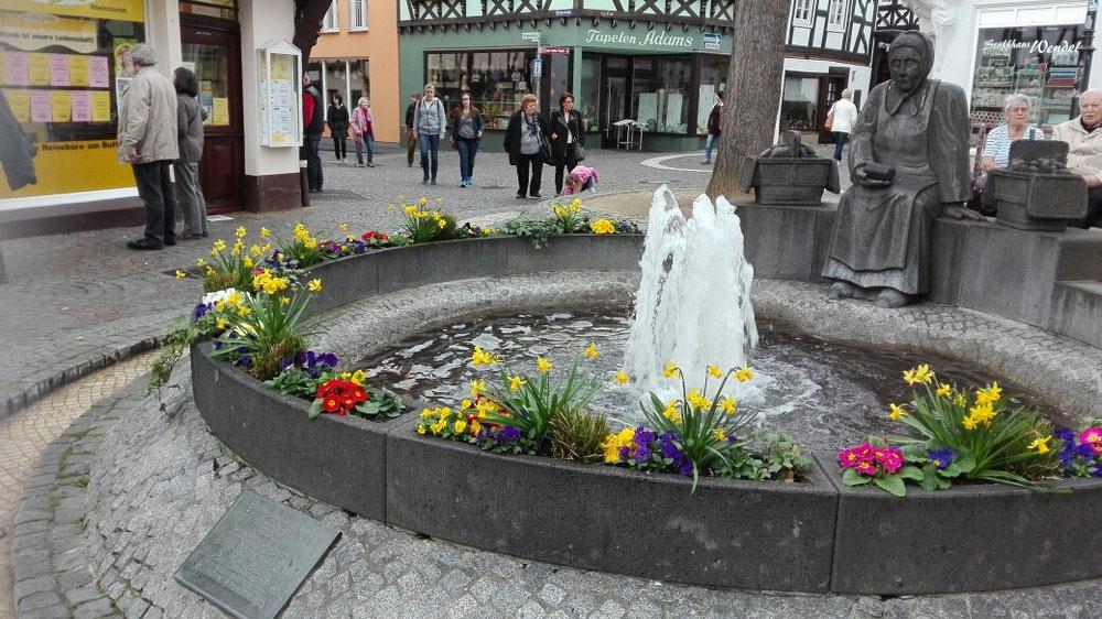 Linz am Rhein Brunnen Marktplatz Ausflugsidee Nordrhein-Westfalen