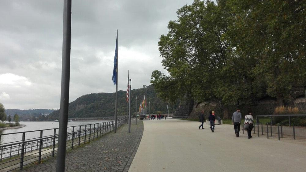 Promenade an der Mosel