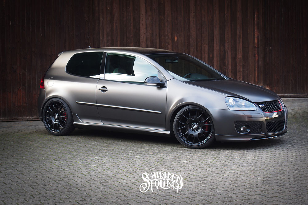 vw golf 5 gti satin pearl nero premium wrapping. Black Bedroom Furniture Sets. Home Design Ideas