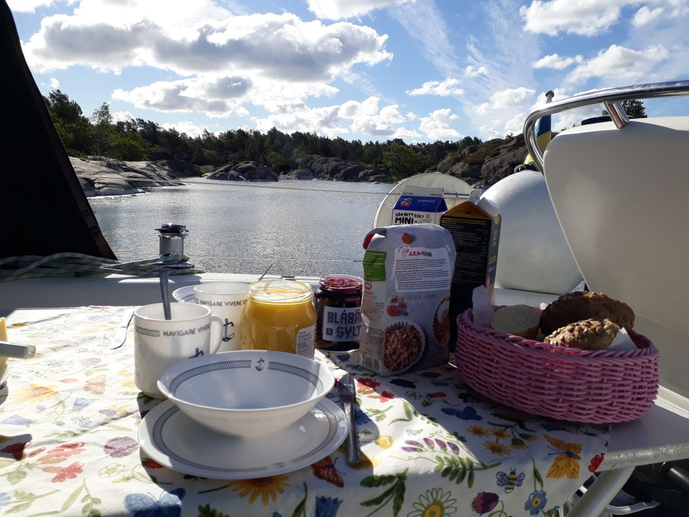 Breakfast in 2nd natural harbor