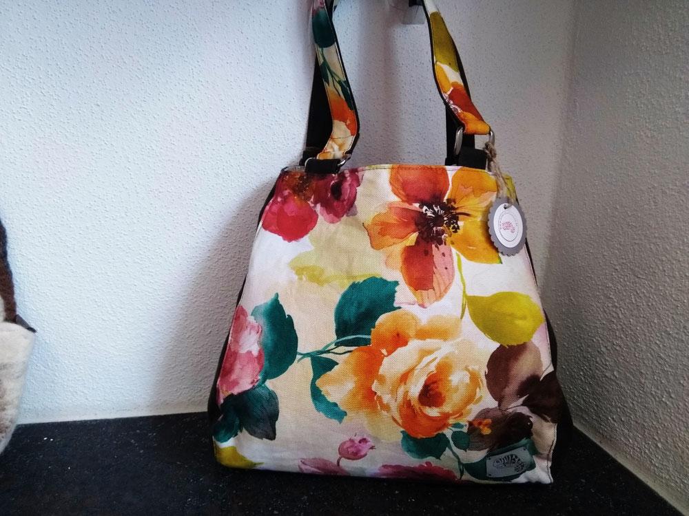Erweiterbare Handtasche (29 €)