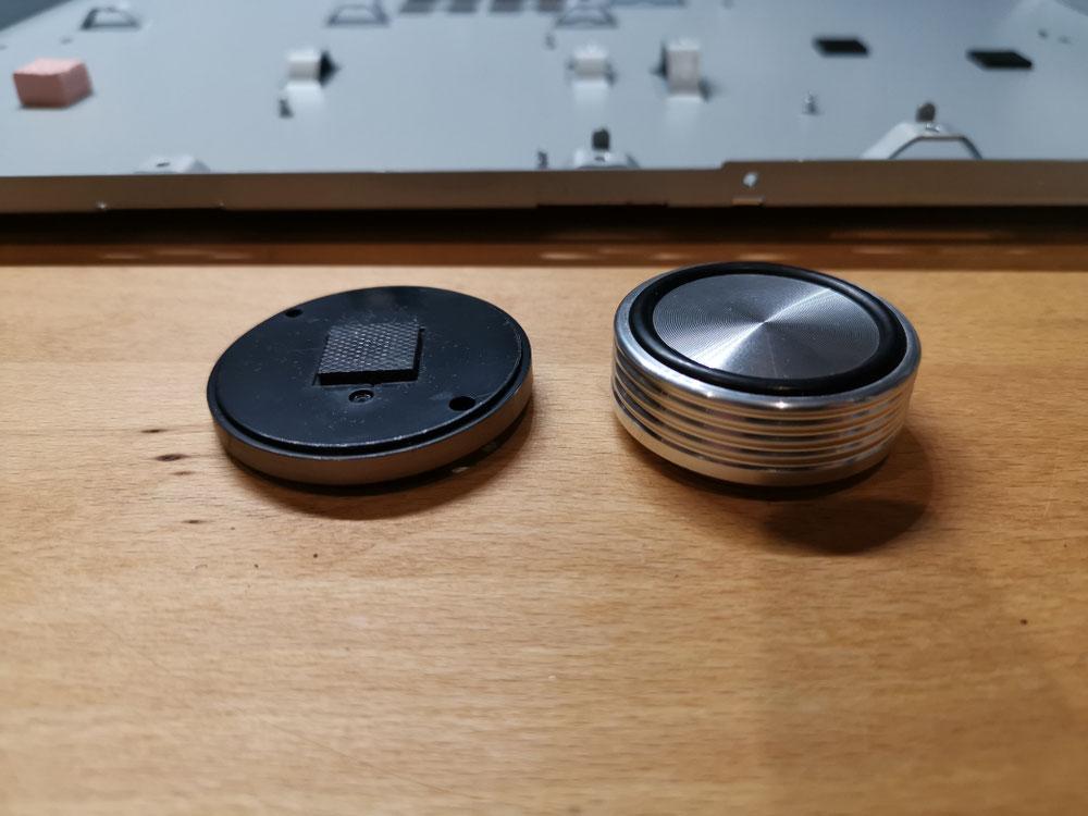 Vergleich billiger Plastik Serien Gerätefuss mit High-end Gerätefuß