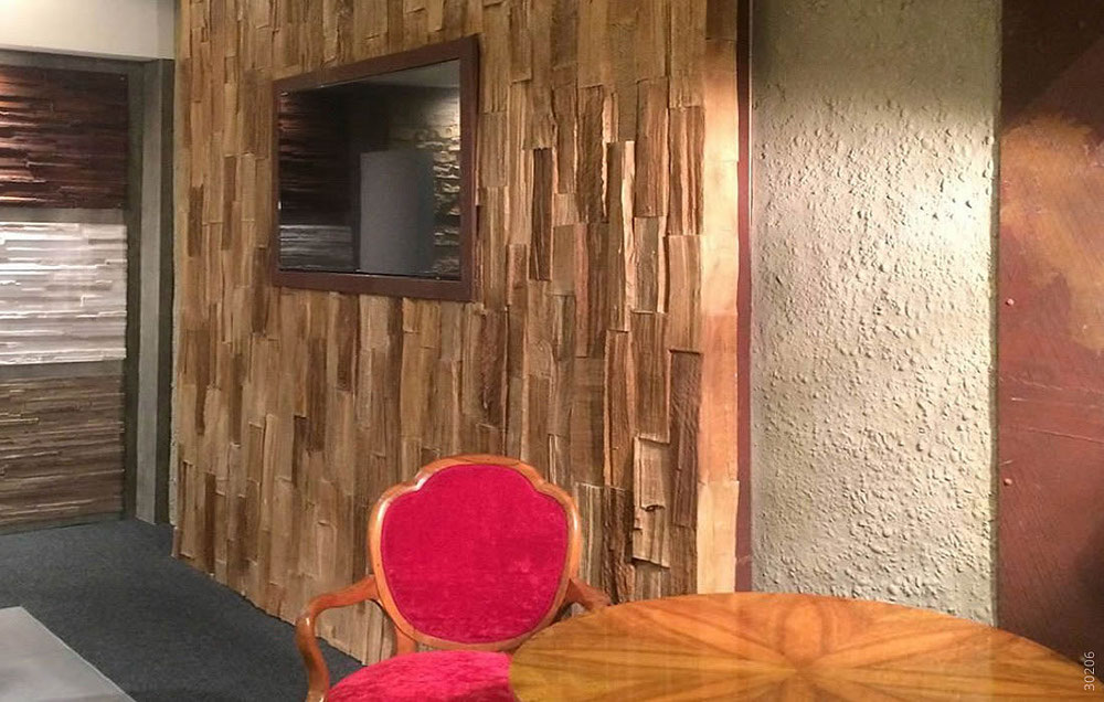 Holz Wandverkleidung mit Kunststoff Paneele