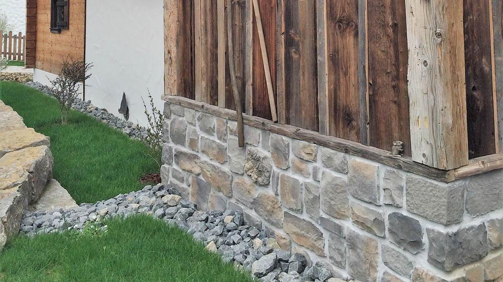 Natürliche Verblendsteine in Fels- und Fluss- Steinoptik