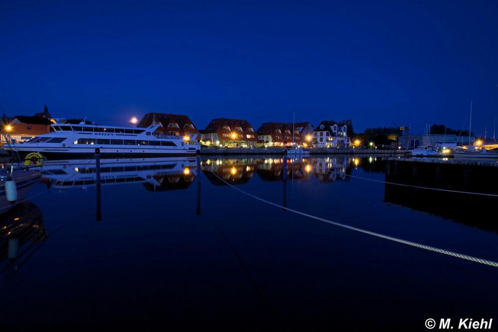 Vollmond Hafen Wiek