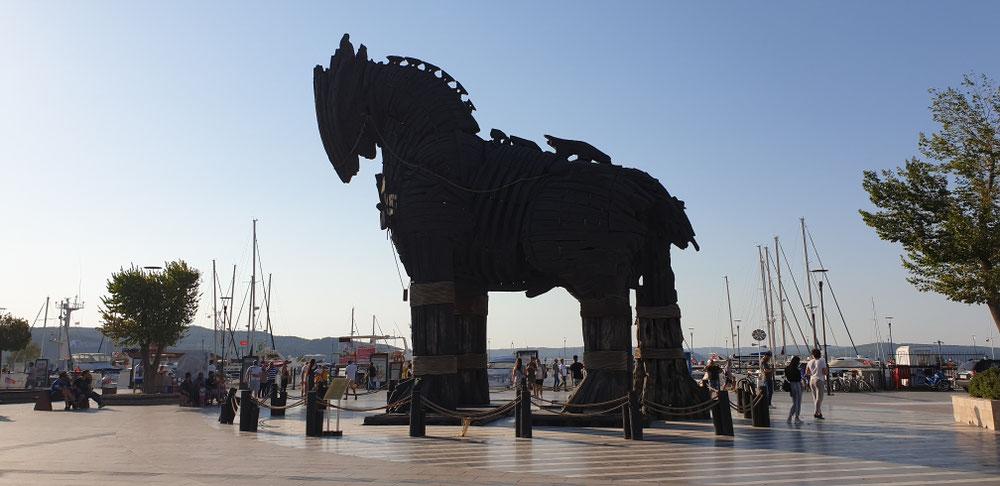Troja liegt um die Ecke und das Pferd ist aus Hollywood