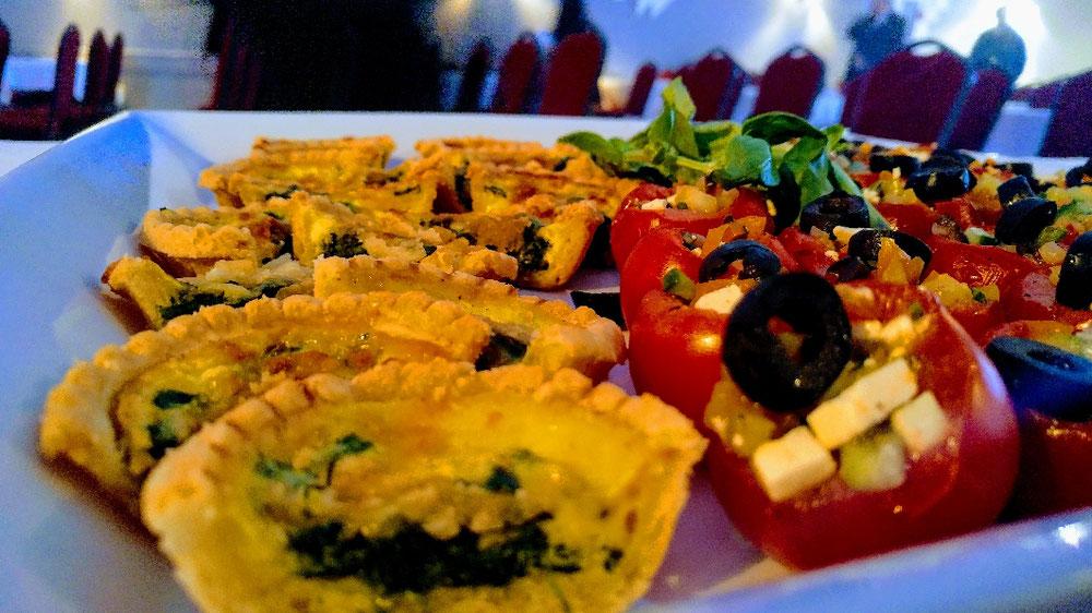 Quiche Lorraine et salade grec déconstruite