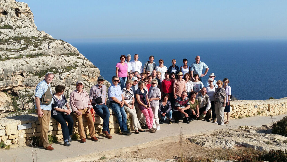 Unsere Pilgergruppe oberhalb der blauen Grotte
