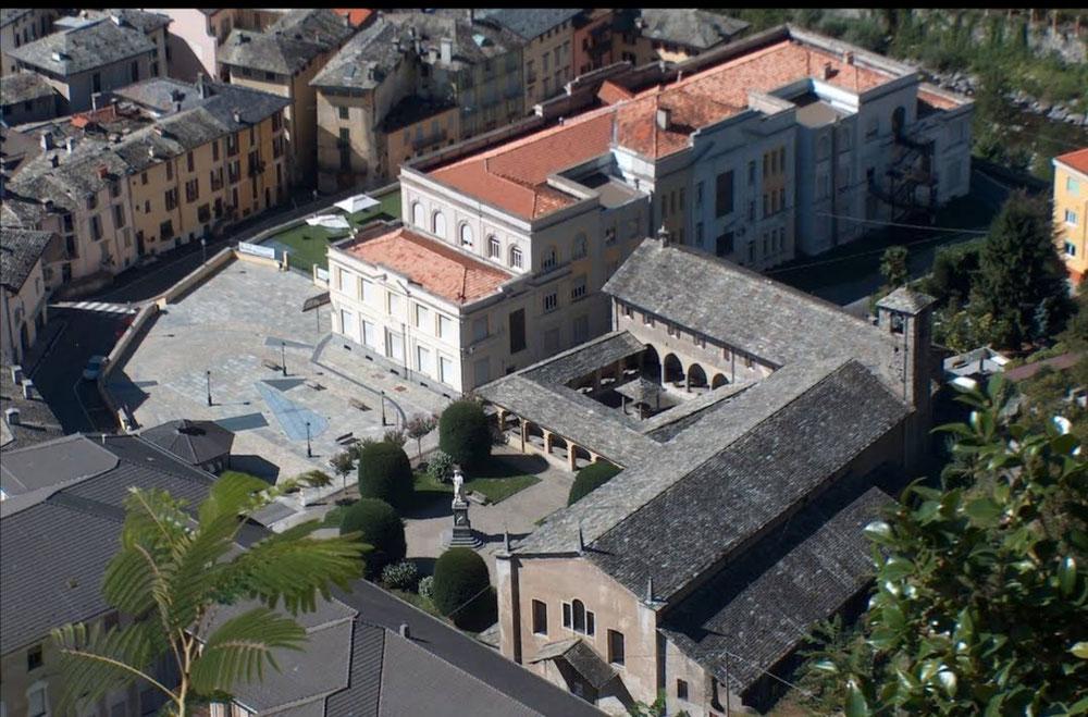 Chiesa di Santa Maria della Grazie (you have to look inside!), Varallo