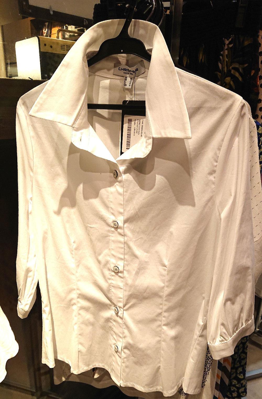 羽織っているシャツCHRISPER(クリスパー・ギリシャ)¥13,000+税