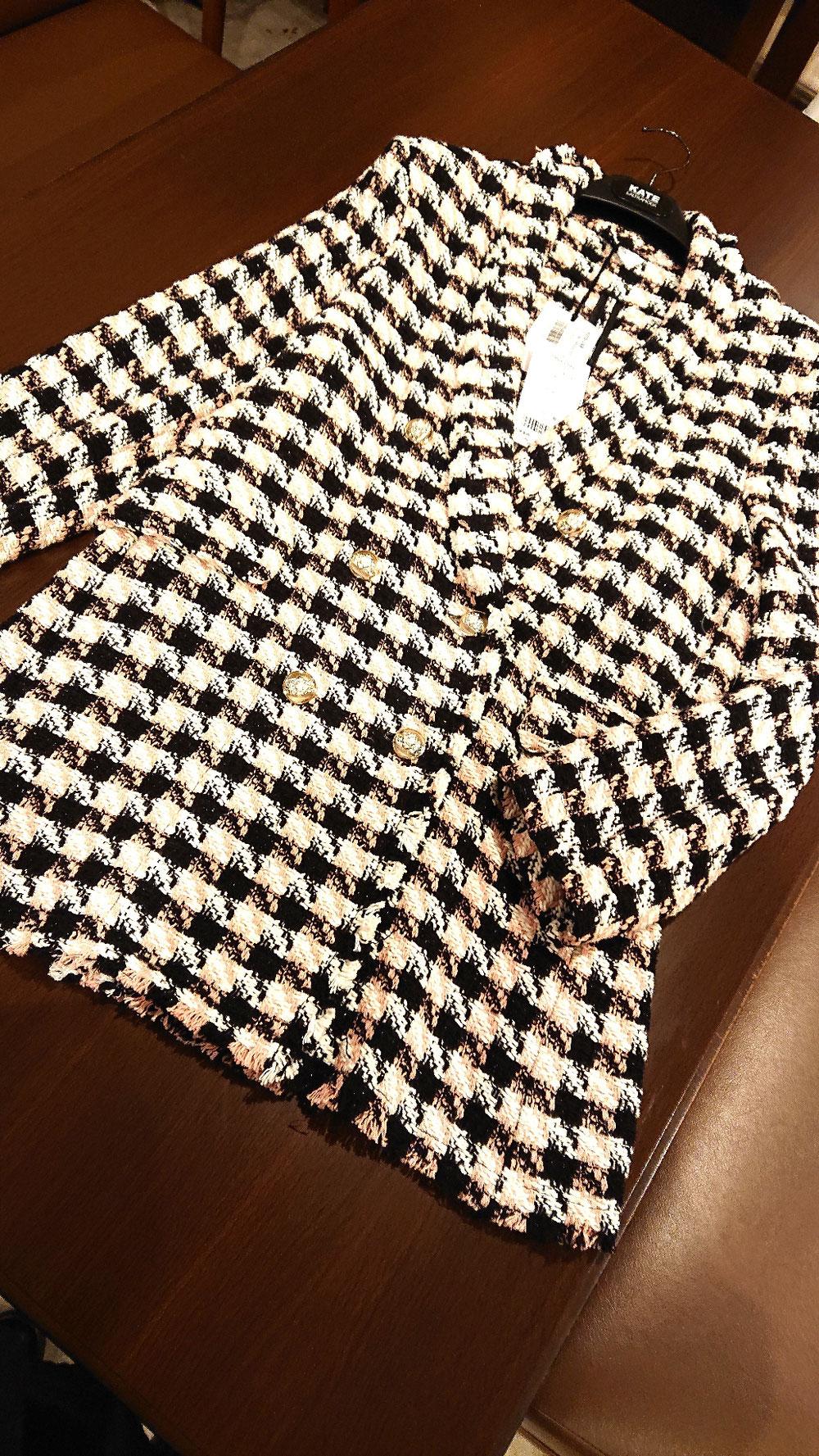 少し長めの軽いジャケット¥33,000税別