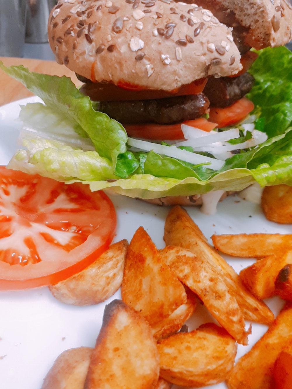 Doppelburger mit Backpatatas