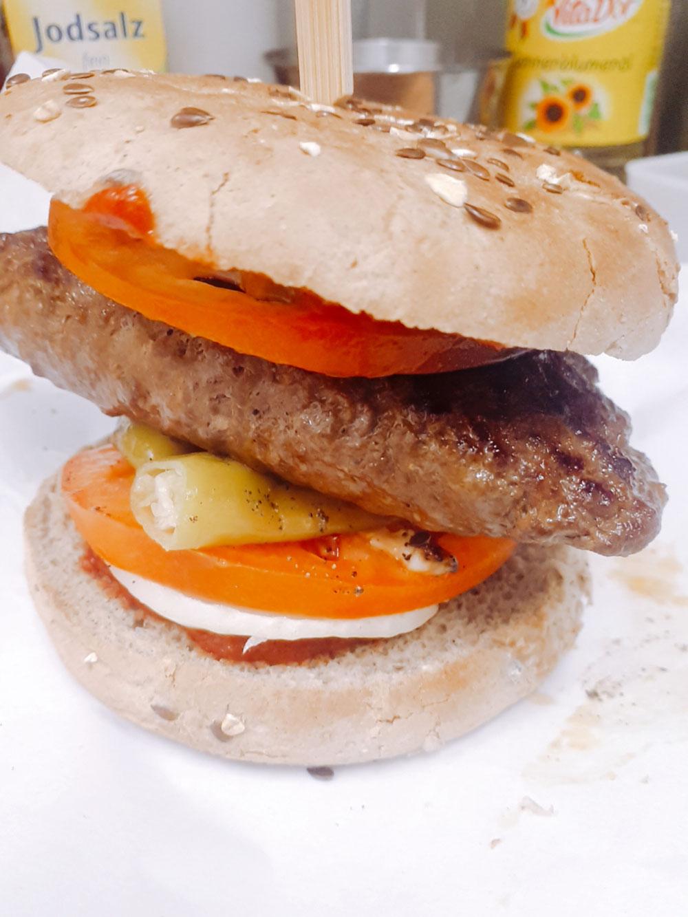 Biftekiburger ( Gouda-,Sucukfüllung )