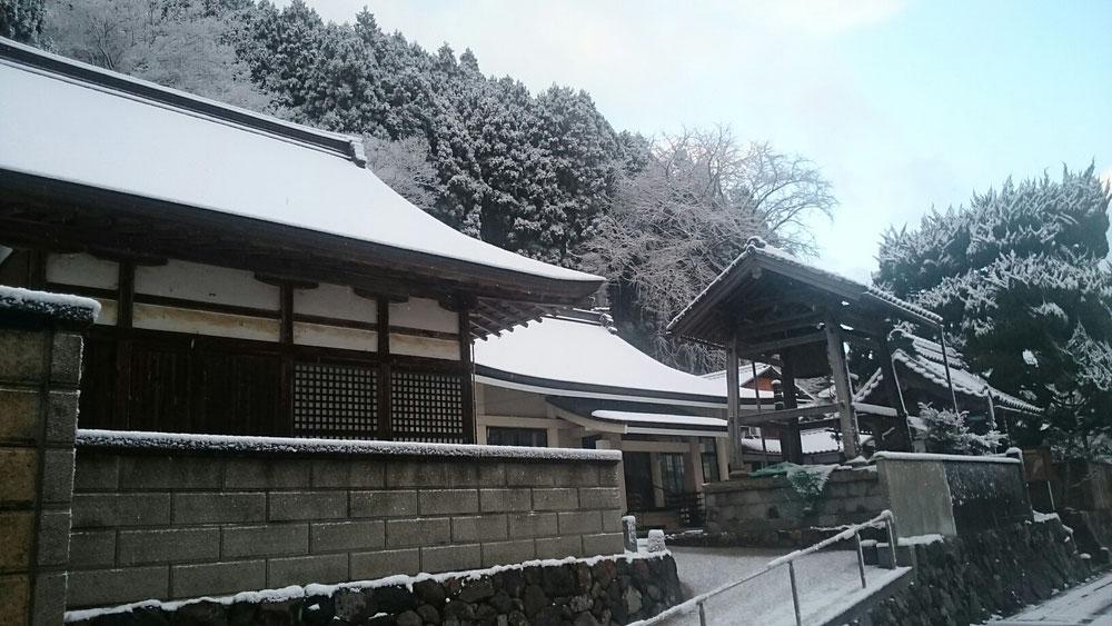 慈眼寺の雪景色
