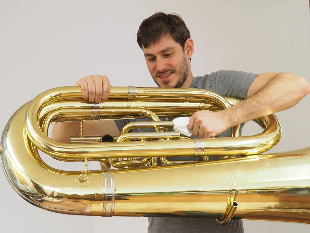 Musikhaus  Schmon Blasinstrument Flums Tuba