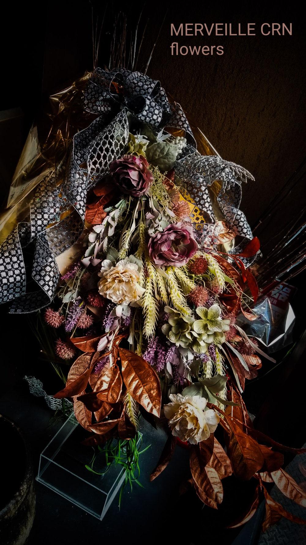 秋の店内装飾 アートフラワーブーケ