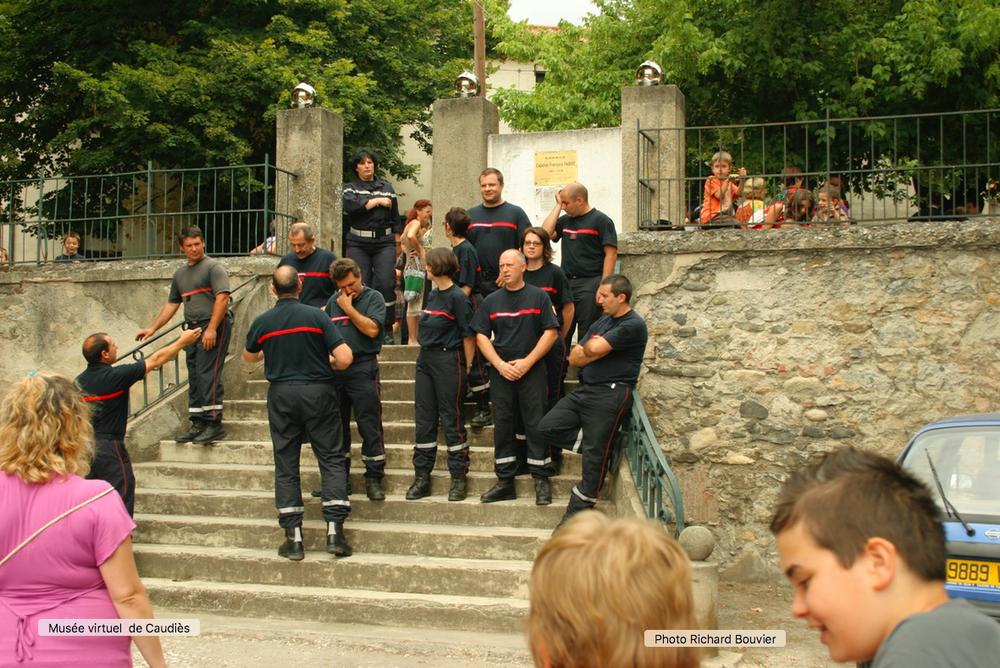 Pompiers sur l'escalier