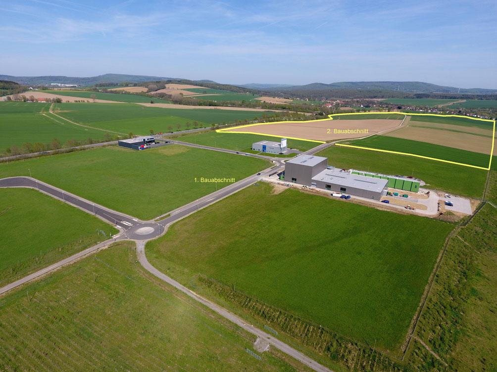 1. Bauabschnitt, 16ha, erschlossene Industriefläche. Links im Bild die Betriebsgebäude der Firmen Kögle & Nunne GmbH sowie Velosit GmbH