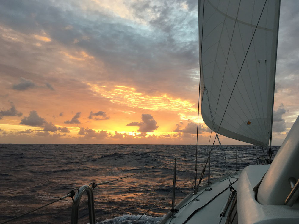 Sonnenuntergang am 14.11.2016, irgendwo südlich der Kanarischen Inseln