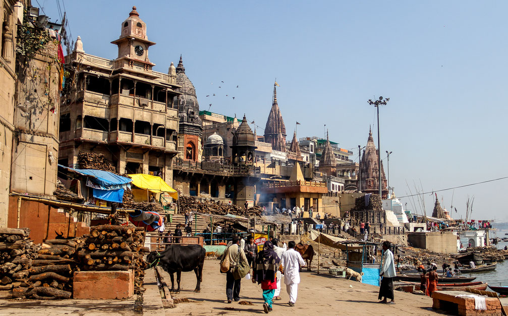 Street scene at Varanasi ghats, India