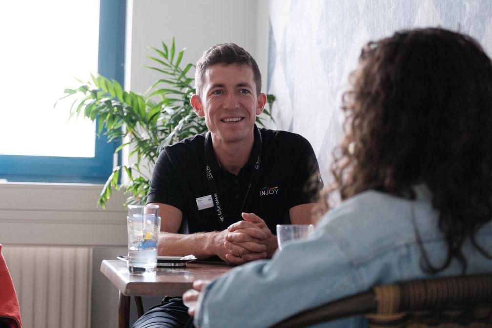 Im Gespräch mit Martin Voigt, dem leitenden Angestellten des INJOYmed Grimma.