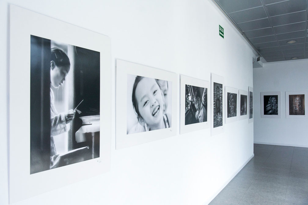 Centro Joaquin Roncal. Zaragoza. Exposición Retratos de Asia. Junio 2016