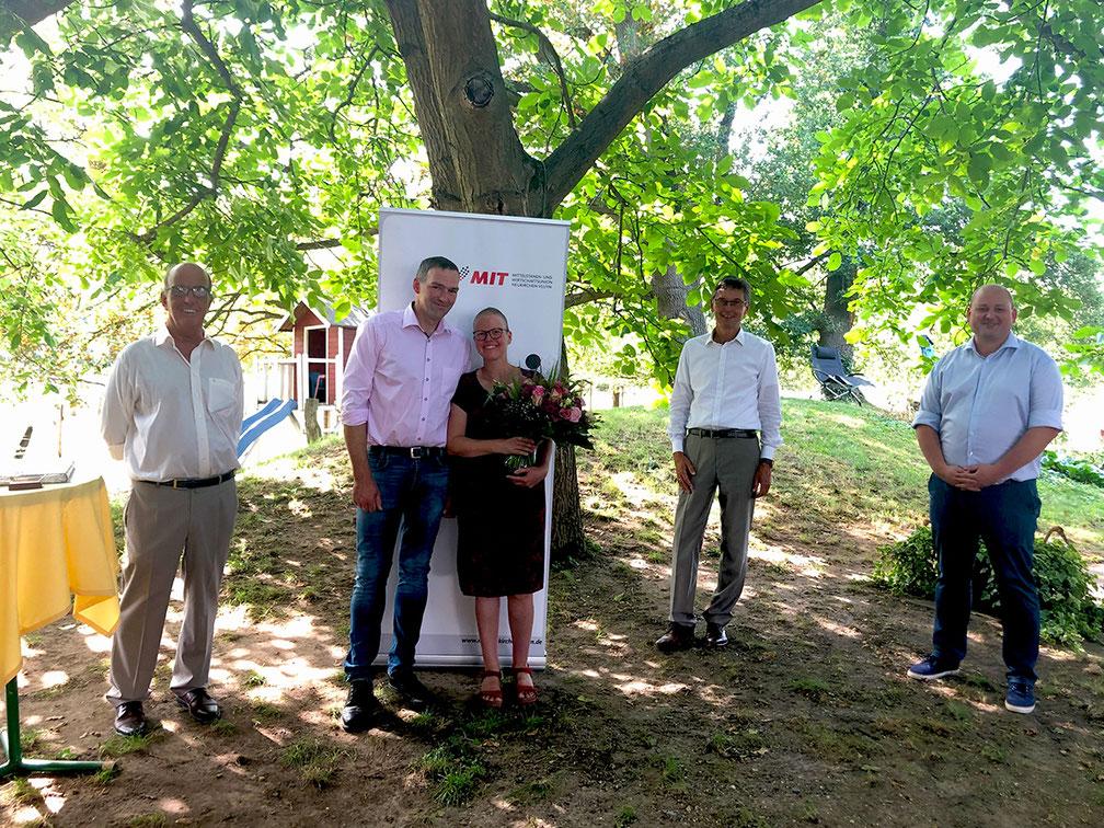 v. l. n. r.: Michael Darda (stellv. Vorsitzender MIT), Johannes und Franka Leuchtenberg, Bürgermeister Harald Lenßen, Alexander Maihoff (Vorsitzender der MIT)