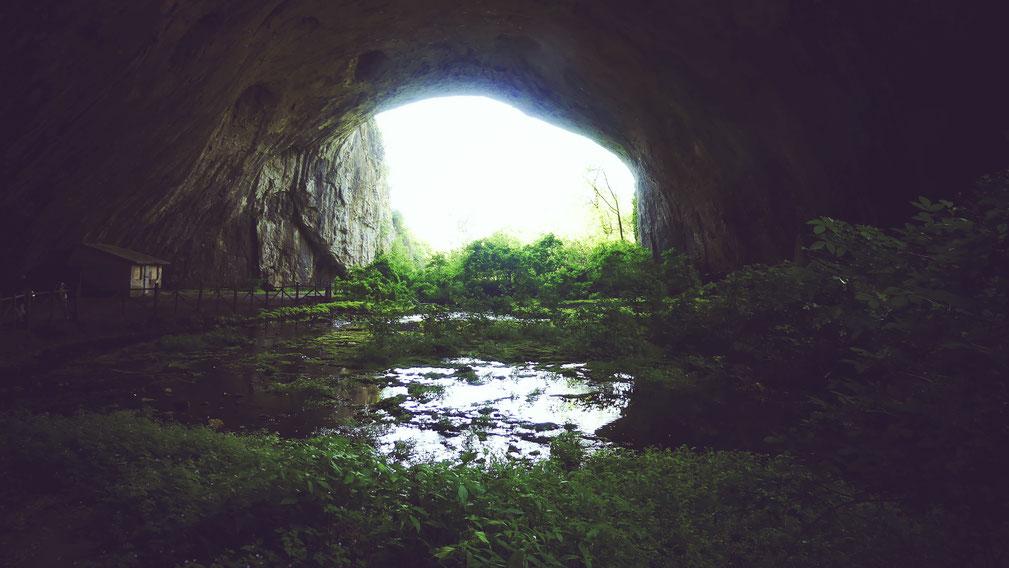 bigousteppes bulgarie devetaki cave grotte vegetation