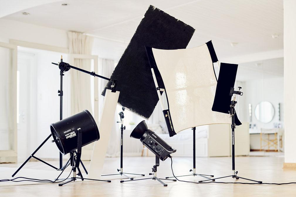 Professionelle Stative im Mietstudio Osnabrück für Mode und Produktfotografen