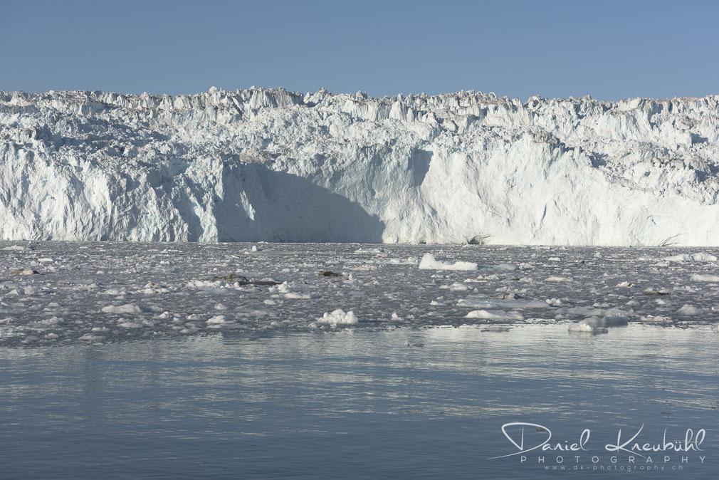 Die riesige Wand des Eqi Gletschers, Disko Bucht, Südwestgrönland, www.dk-photography.ch, Photographer: Daniel Kneubühl