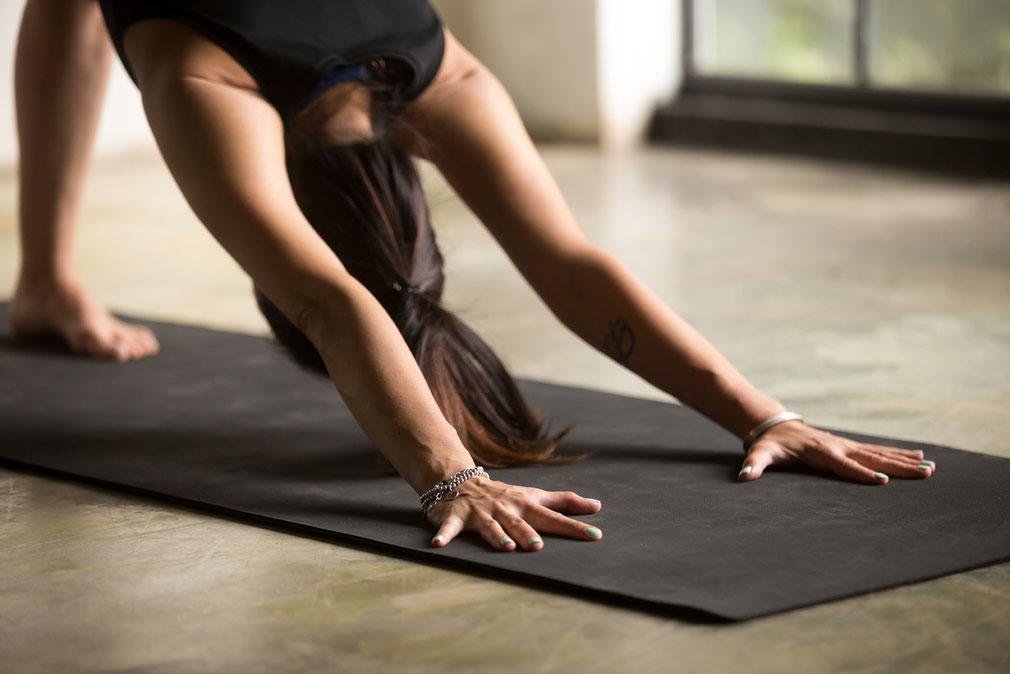 yoga lehrer ausbildung, kleine gruppe, weiterentwicklung, zweiter bildungsweg, gleichgesinnten, wien, 2020