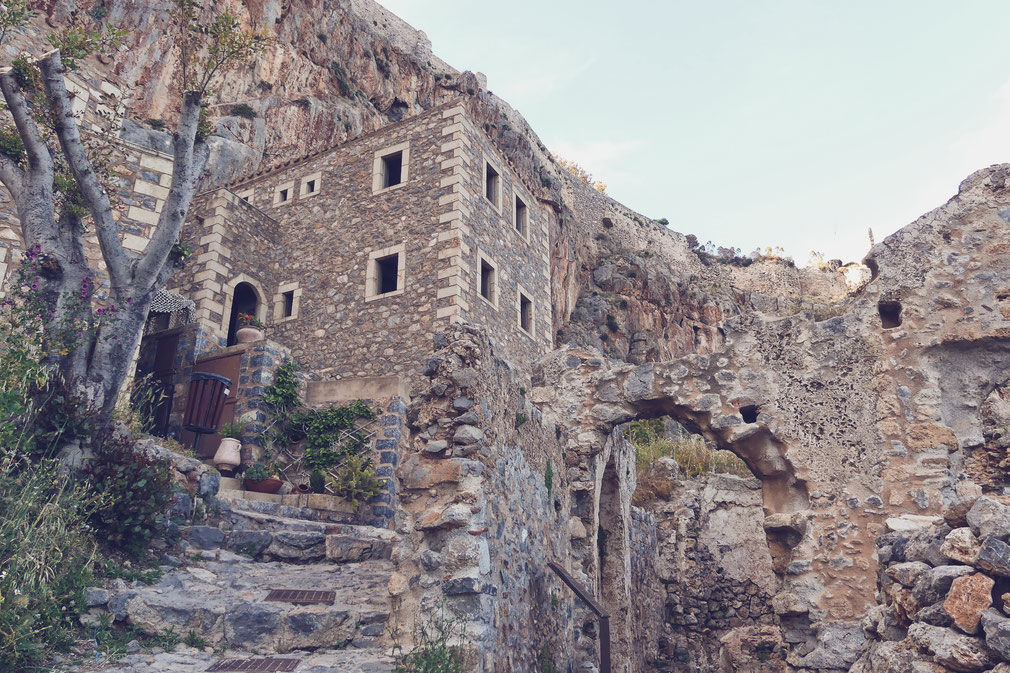 bigousteppes grèce péloponnèse monemvasia village pierre