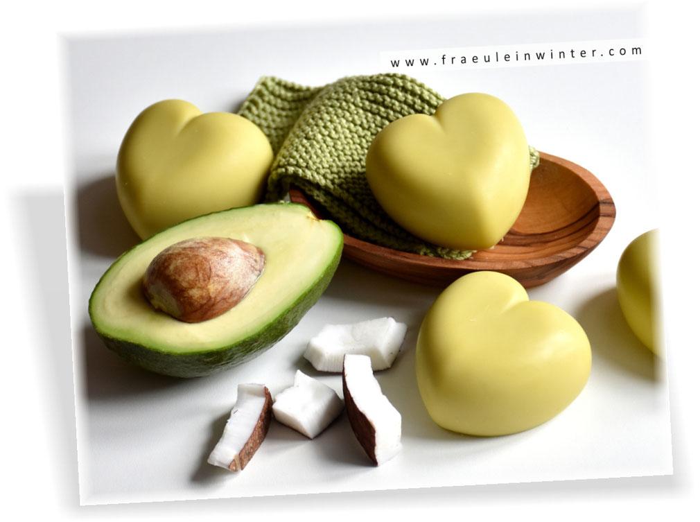 Handgemachte Seife mit Avocadoöl und Kokosmilch | Homemade Soap by Fraeulein Winter