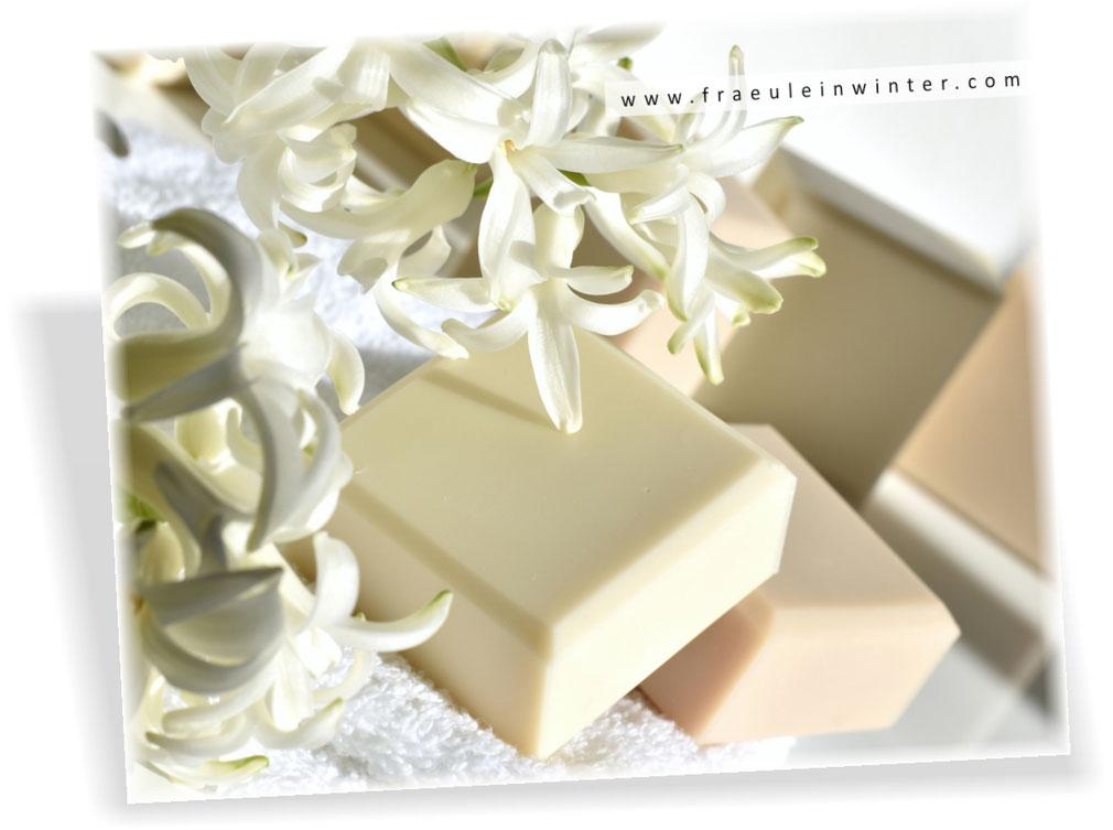 Seife von Hand gemacht - sanft und pflegend | Homemade Soap by Fraeulein Winter