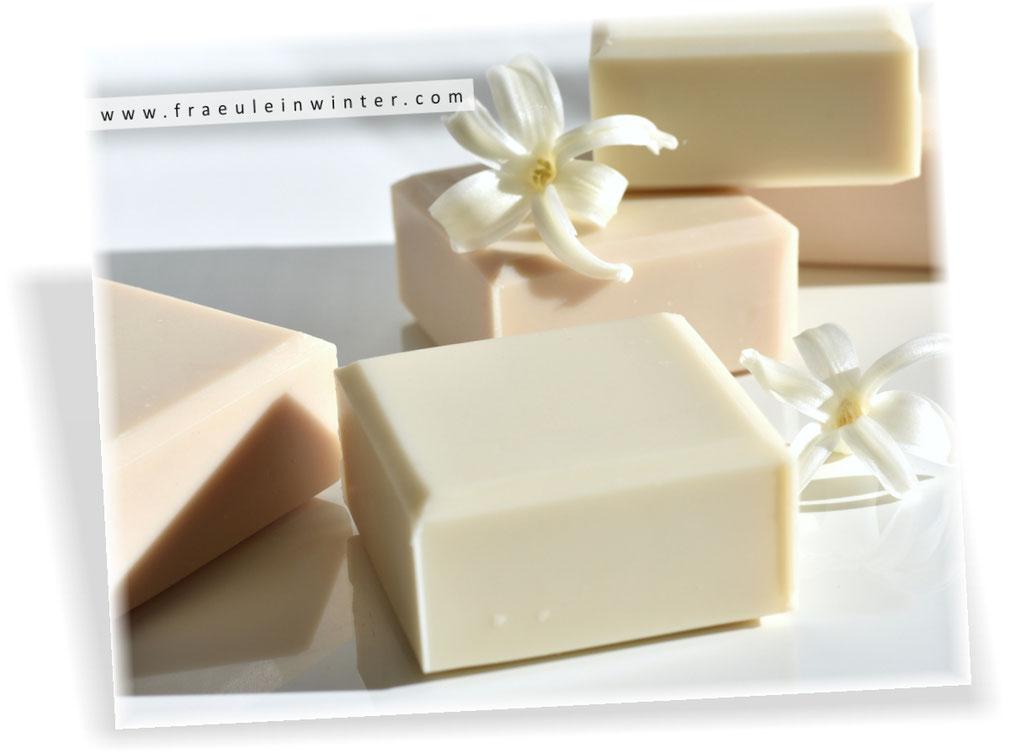 Pflegende Seife, natürlich handgemacht | Handmade Soap by Fräulein Winter