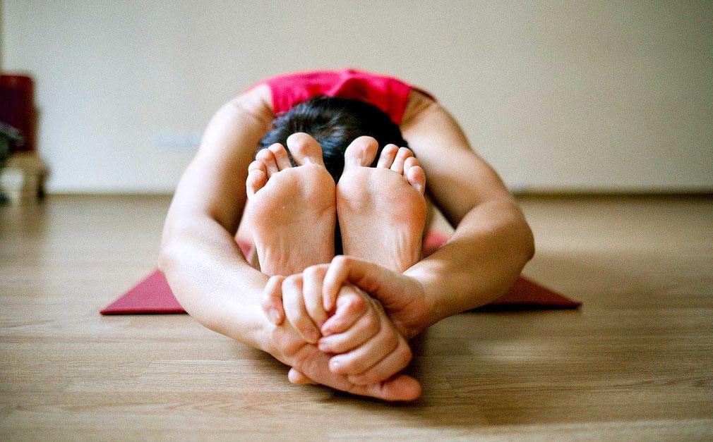 Cours de raja yoga  au centre de yoga traditionnel de tours, sonia djaoui