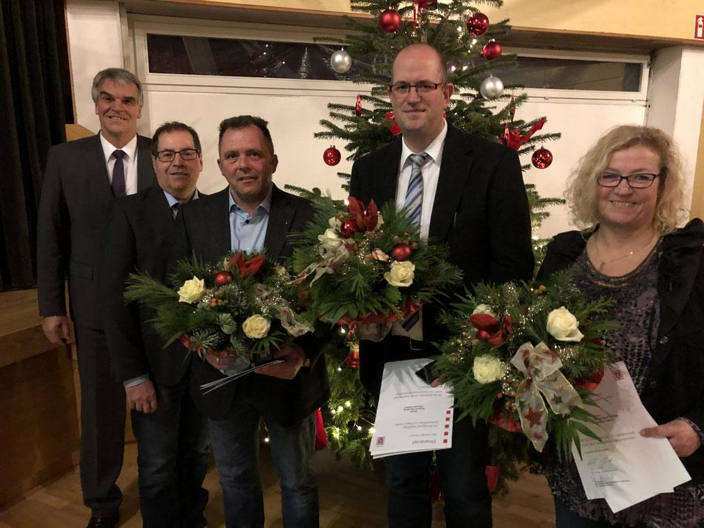 V.l: Bürgermeister Claus Junghenn, Vors. d. Gemeindevertretung Norbert Bötzel, Stefan Huhn, Stephan Herzberg und Betina Womelsdorf Müller