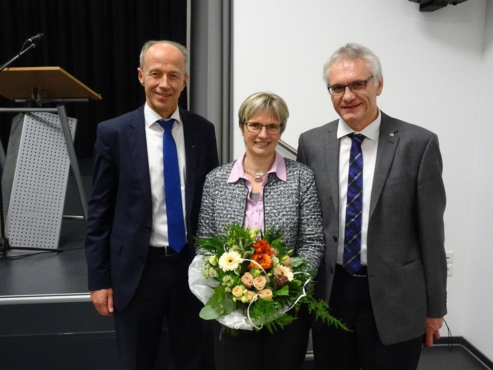 Claudia Ravensburg mit dem CDU Kreisvorsitzenden Armin Schwarz (links) und Ehemann Gert.