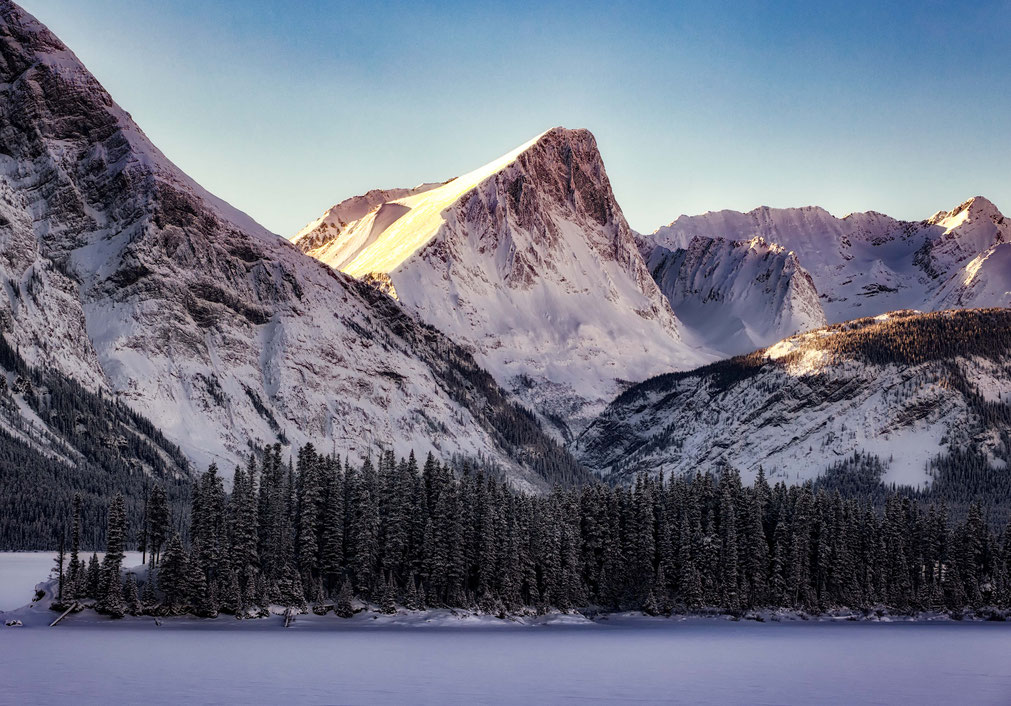 Evening alpine glow by the Upper Kananaskis lake, Canada @InAFaraway_Land