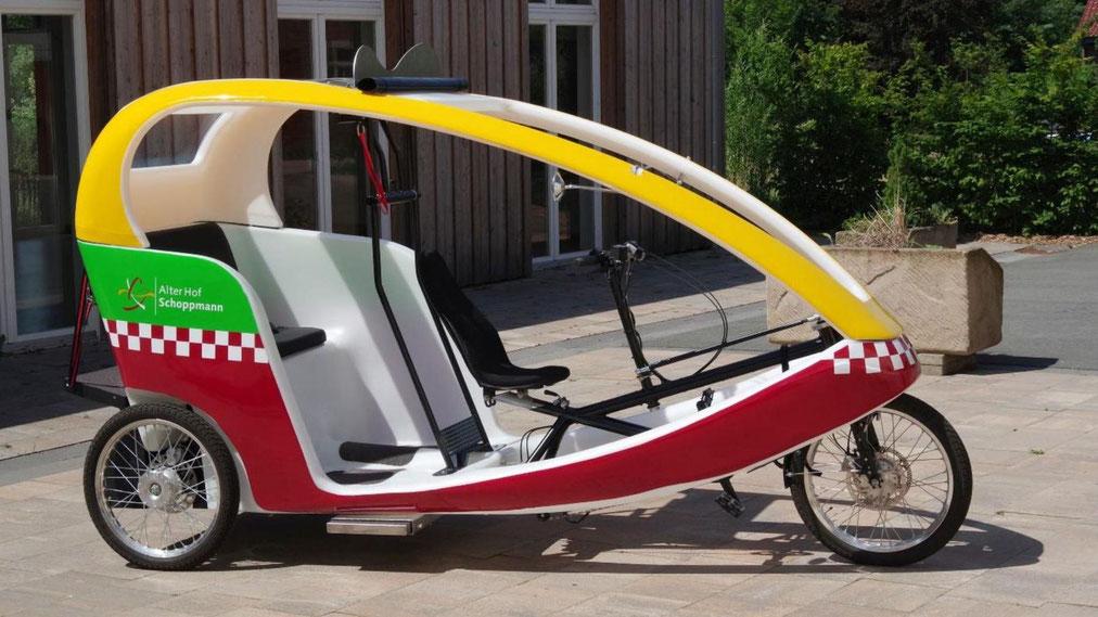 Mit der E-Rikscha soll die Mobilität von älteren Menschen, Menschen mit Einschränkungen aber auch Touristen in Coesfeld auf kurze Distanzen gesteigert werden . Foto IBP