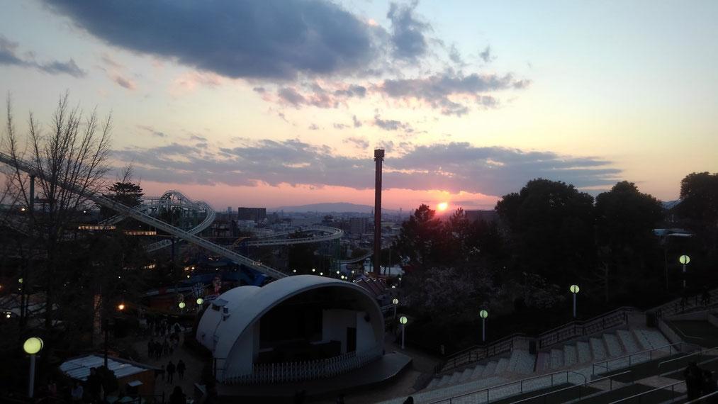 駐車場からはキレイな夕焼けも