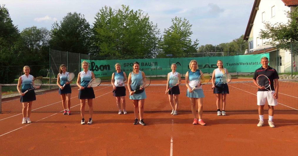 Die Damen Tennis Mannschaft des FC Hettenshausen.