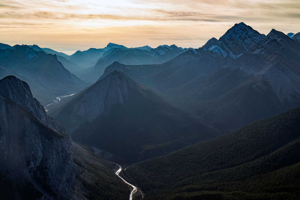 Best photography locations in Jasper National Park. Sulphur Skyline