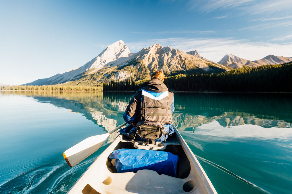 guide to multi day kayaking trip to Spirit Island and Coronet Creek on Maligne lake