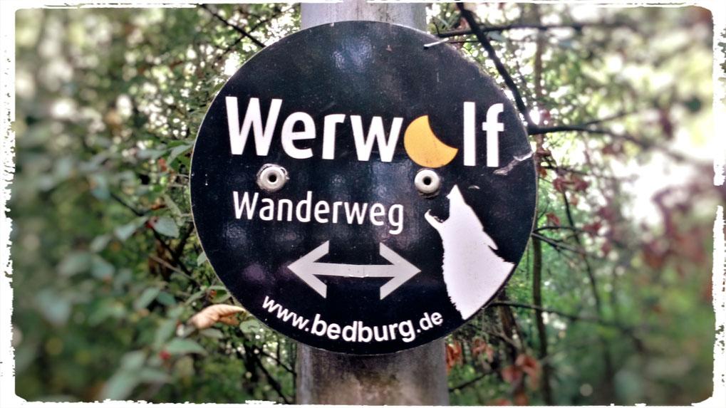 Heute folgen wir dem Werwolf Wanderweg in Altkaster:  schaurig schön!