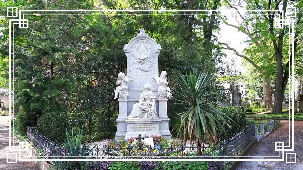 Familiengrab von Robert und Clara Schumann
