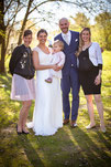 """Foto: """"Gruppenfoto mit Hochzeitpaar, Hochzeitsrednerin und Hochzeitssängerin nach freier Hochzeitszeremonie"""""""